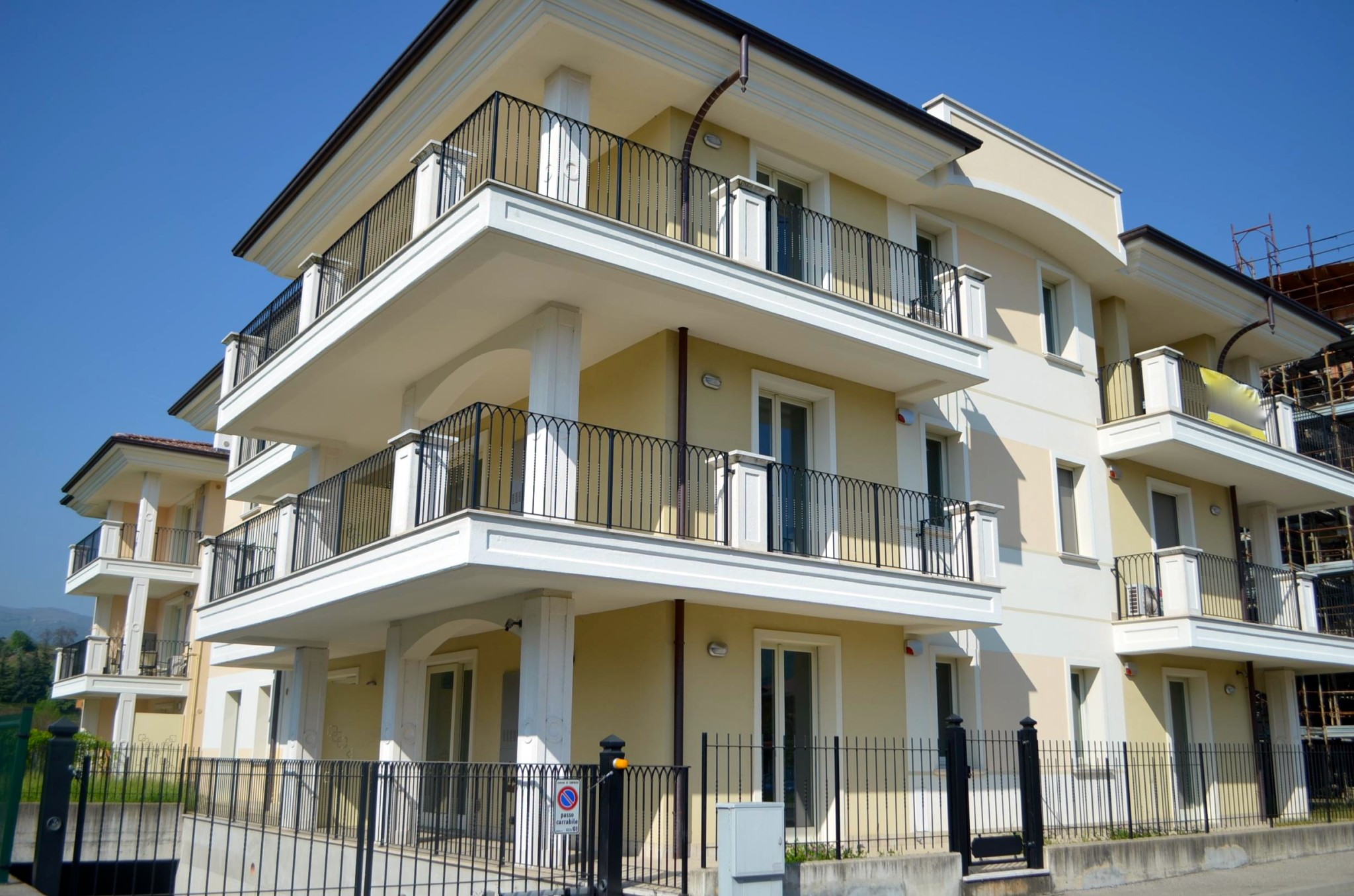 Bergomi immobiliare nuovo bilocale in vendita a sarnico for Case in affitto in provincia di bergamo
